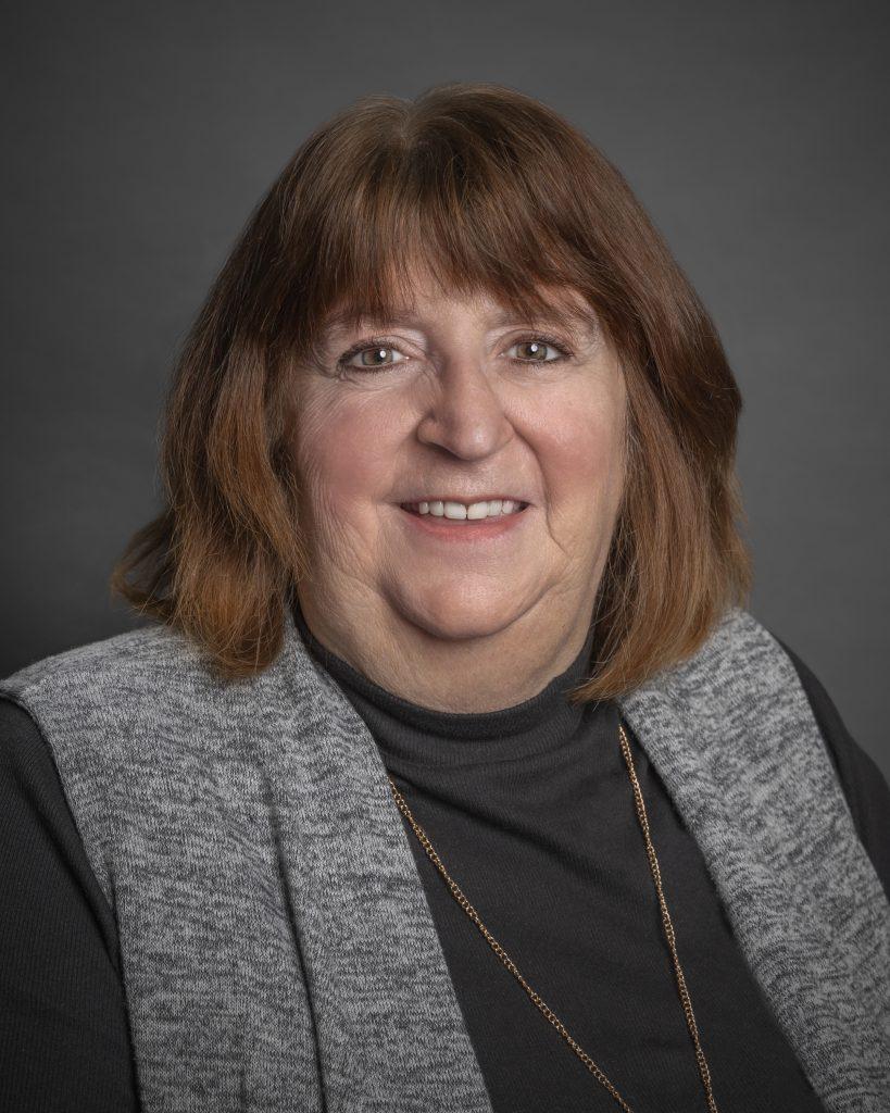 <b>Lynn Goodwin</b><br>Receptionist